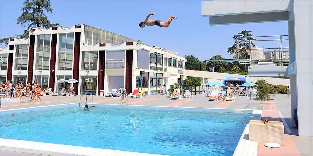 Diving Board Bordeaux