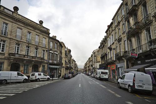 Before the Tram - Rue Fondaudège